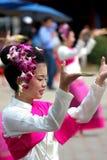 Ballo buddista tailandese della ragazza Fotografie Stock