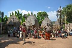 Ballo dei guerrieri, tribù di Dorze, Etiopia fotografia stock libera da diritti