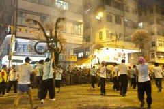 Ballo del drago del fuoco di caduta del Tai a Hong Kong Fotografia Stock Libera da Diritti