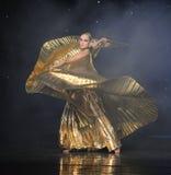 Ballo del mondo dell'Austria di ballo- della pancia della vestito-Turchia della stagnola di oro Fotografia Stock