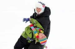 Ballo della neve della figlia della madre Fotografia Stock