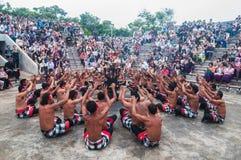 Ballo di Kecak, Uluwatu Immagini Stock