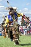 Ballo di powwow dell'uomo in concorrenza Fotografia Stock Libera da Diritti