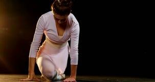 Ballo di pratica 4k di balletto della ballerina archivi video