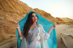 Ballo orientale Khaleeji di bellezza immagini stock