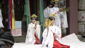 Ballo religioso tradizionale ad un santuario video d archivio
