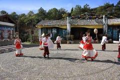 Ballo tradizionale di Naxi Fotografie Stock