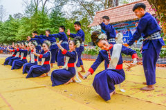 Ballo tradizionale di nordest tailandese Immagine Stock