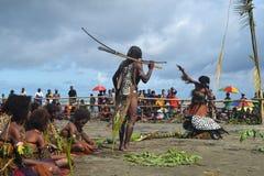 Ballo tribale tradizionale al festival della maschera Immagine Stock