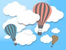 Ballon à air chaud dans le ciel bleu Image stock
