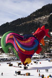 Ballon à air chaud de coq au château Photographie stock libre de droits