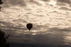 Ballon à air chaud solitaire Photographie stock