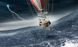 Ballon à air dans la tempête Photos libres de droits
