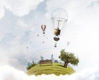 Ballon à air en ciel d'été Photos stock
