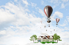 Ballon à air en ciel d'été Photos libres de droits