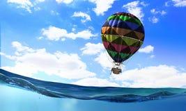 Ballon à air en mer Image libre de droits