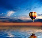 ballon ηλιοβασίλεμα στοκ φωτογραφία με δικαίωμα ελεύθερης χρήσης