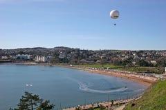 Ballon au-dessus de Torbay images stock