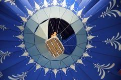 Ballon azul do ar quente Imagens de Stock Royalty Free