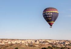 Ballon dans Cappadocia Turquie Photographie stock libre de droits