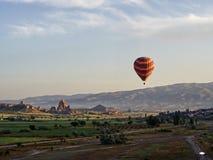 Ballon dans Goreme photographie stock libre de droits