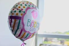 Ballon dans le bébé d'hôpital images libres de droits
