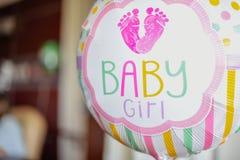 Ballon dans le bébé de chambre d'hôpital image libre de droits