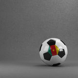 Ballon de football du Cameroun Photos stock
