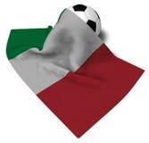 Ballon de football et drapeau de l'Italie Photographie stock libre de droits