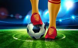 Ballon de football 2018 sur l'arène du football avec une partie du pied d'un joueur de football Photo stock