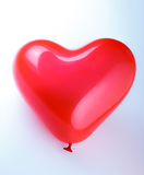 Ballon en forme de coeur rouge Image stock