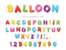 Ballon kleurrijke doopvont De feestelijke glanzende letters en de getallen van ABC Voor verjaardag, de viering van de babydouche Stock Afbeeldingen