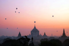 Ballon op pagode in Bagan Myanmar Royalty-vrije Stock Fotografie