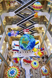 Ballondecoratie bij van het de aardeland van de wandelgalerijgalerij van de de vlagbrand de ballon van de de ballonbrand Stock Afbeeldingen