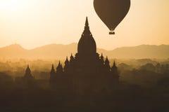 Ballone über Bagan Stockbild