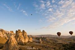 Ballone über Cappadocia Stockfotos