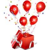 Ballone aus der offenen Geschenkbox heraus Stockbilder