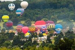 Ballone, die bei Bristol Balloon Fiesta B 2016 sich entfernen Lizenzfreies Stockbild