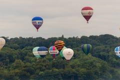 Ballone, die bei Bristol Balloon Fiesta F 2016 sich entfernen Stockfotos