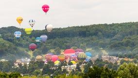 Ballone, die bei Bristol Balloon Fiesta G 2016 sich entfernen Lizenzfreie Stockbilder
