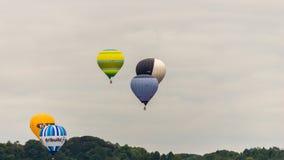 Ballone, die bei Bristol Balloon Fiesta H 2016 sich entfernen Stockfotografie