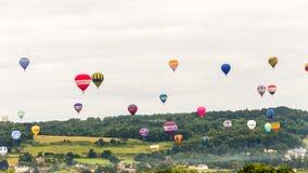 Ballone, die bei Bristol Balloon Fiesta K 2016 sich entfernen Lizenzfreie Stockfotos