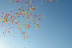 Ballone im Himmel Lizenzfreies Stockfoto