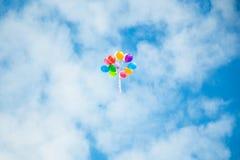 Ballone im Himmel Stockfotografie