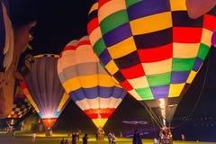 Ballone nachts Stockfoto