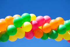 Ballone und blauer Himmel Lizenzfreies Stockbild