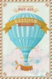 Ballong för varm luft för tappning i himmelvektorn Royaltyfria Foton