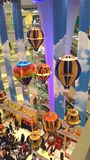 Ballong för varm luft på gallerian Arkivbild
