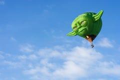 Ballong för varm luft - Yoda Arkivfoton
