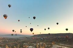 Ballong i Cappadocia TURKIET - NOVEMBER 13, 2014 Royaltyfri Bild